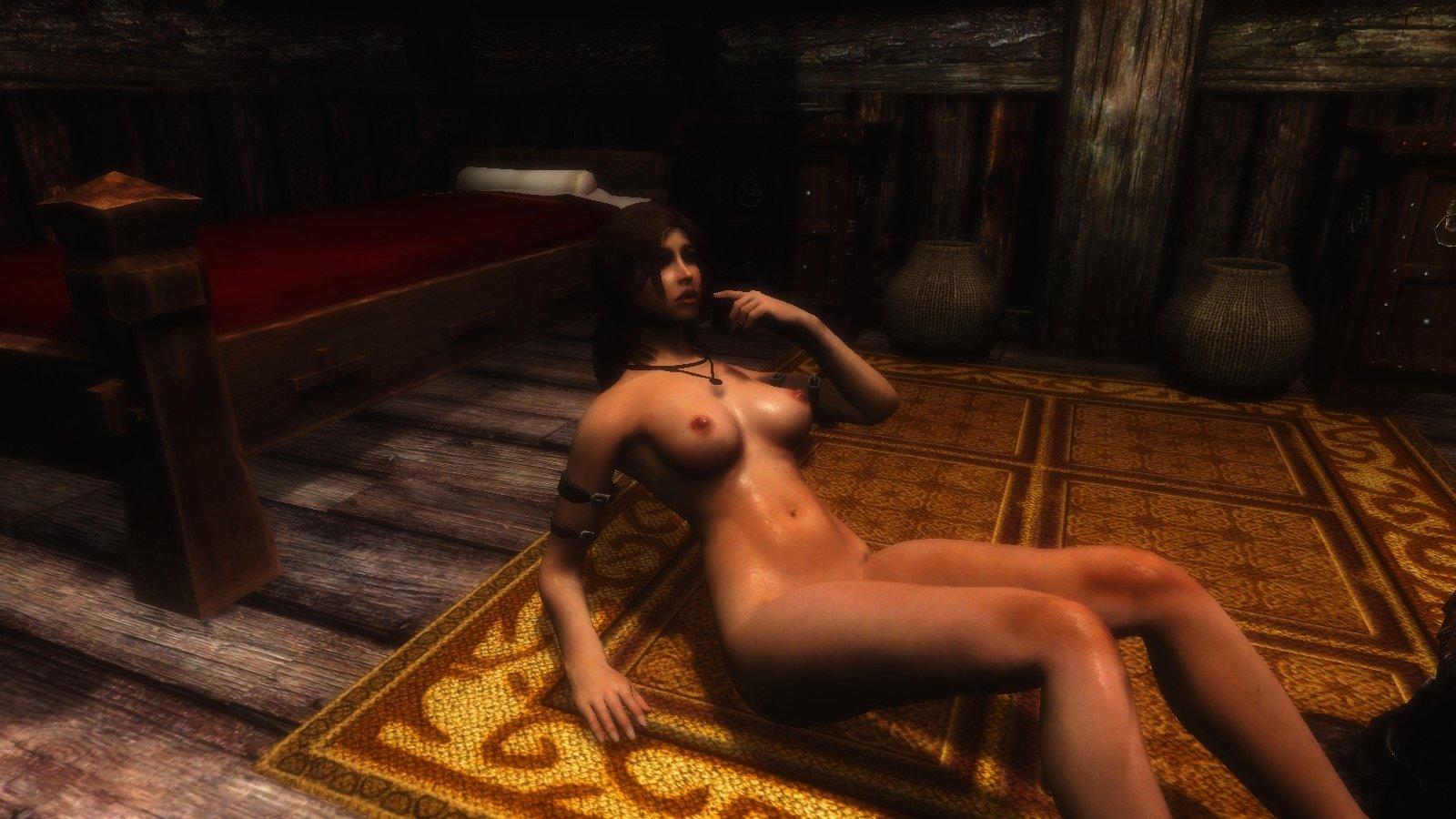 Похоже, Ларка прилегла на коврик..