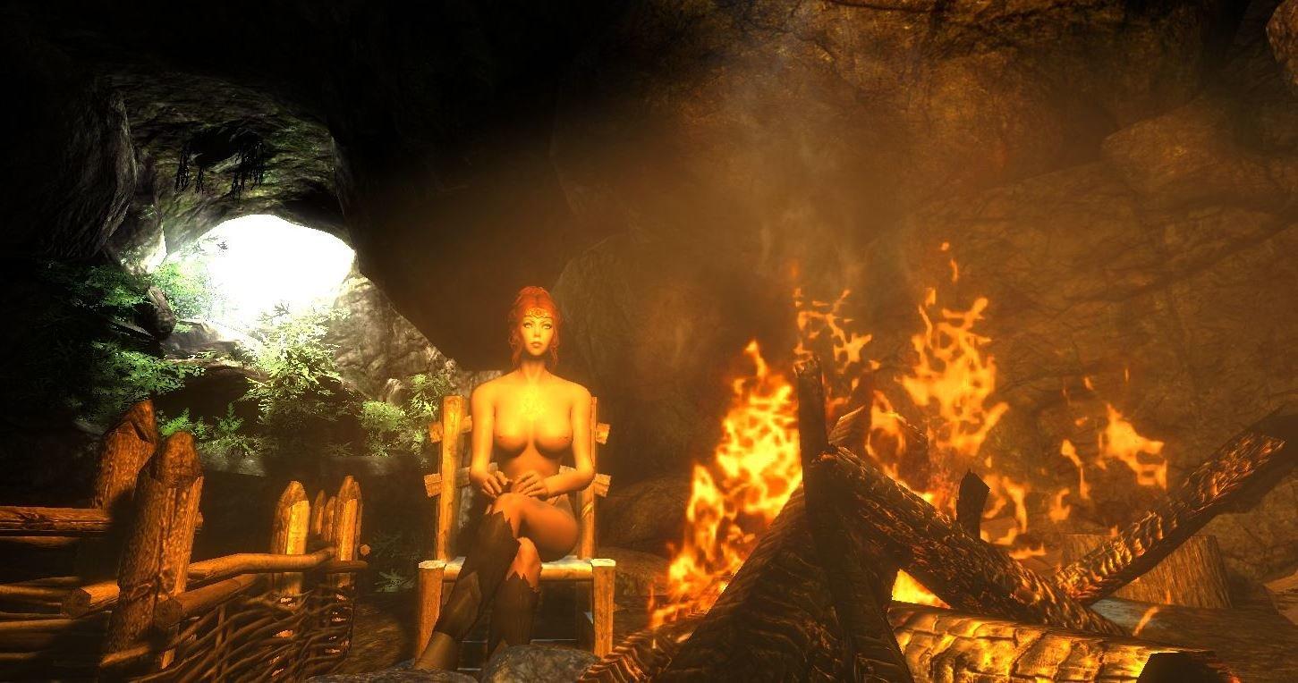 Шэйла у костра в пещере.. (сборка 3.0)