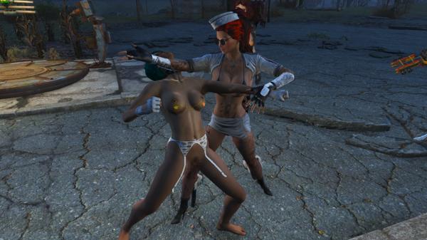 Алиса обучает Рокси боевому «Кунг фу».