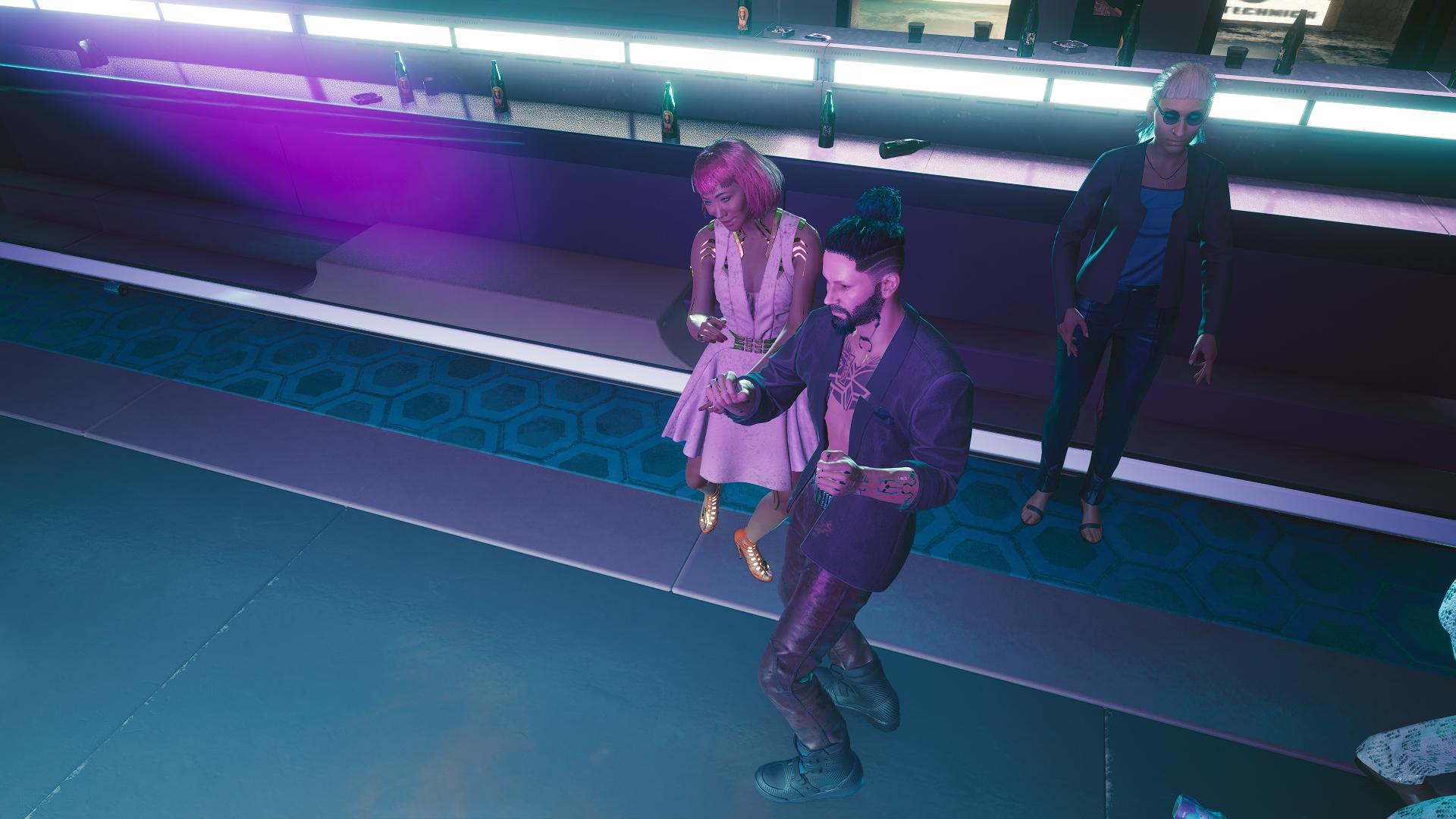 Ви танцует в клубе.