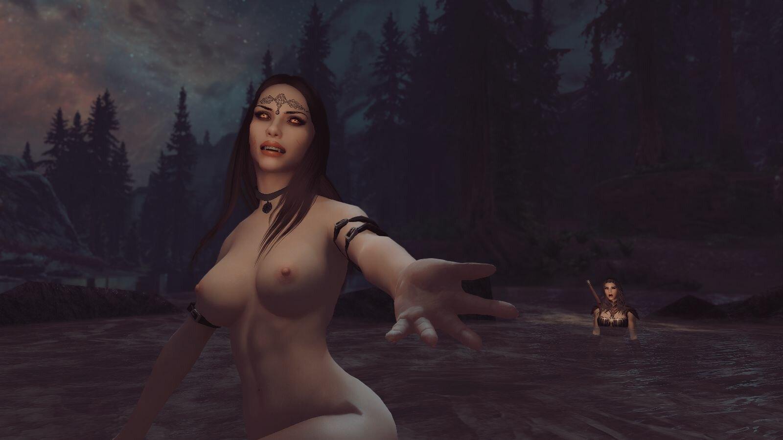 Велена омывает в реке юную вампирку..