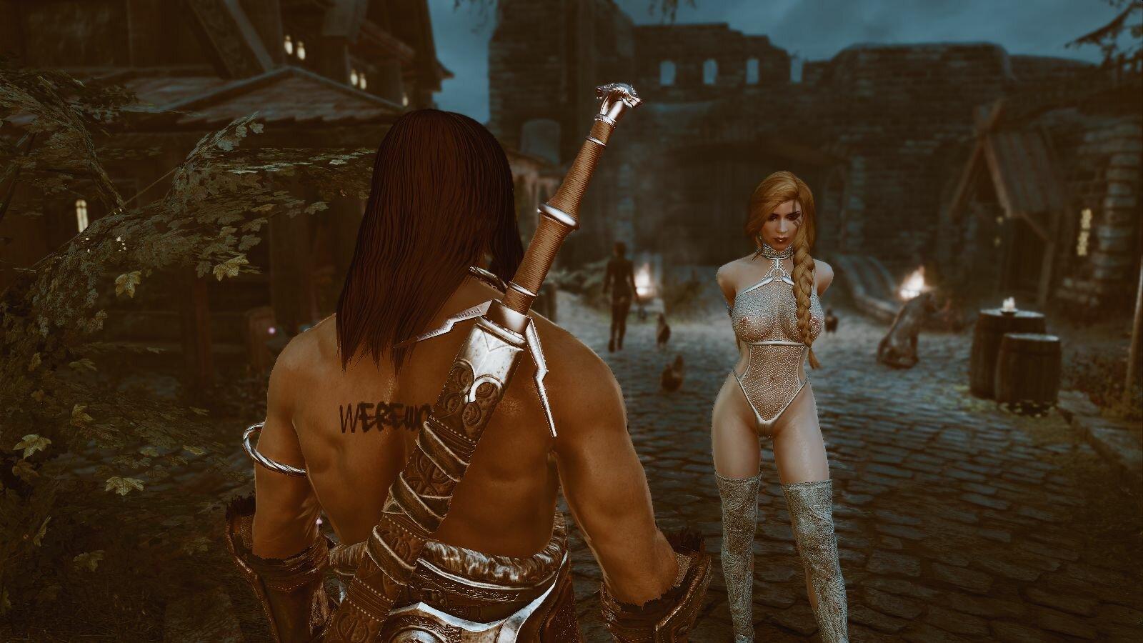 Эйран ищет мастера, чтоб снять оковы с девы..