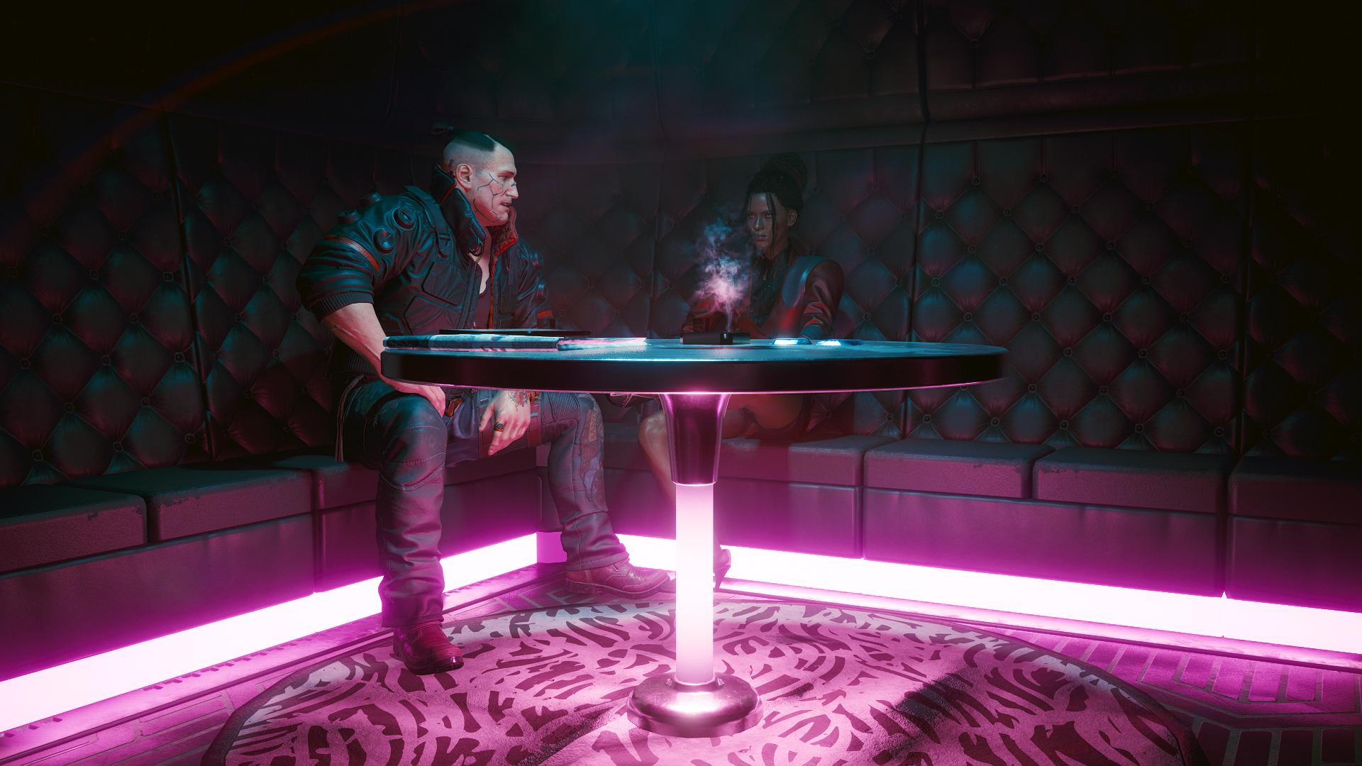 Нанам и Джеки в баре.