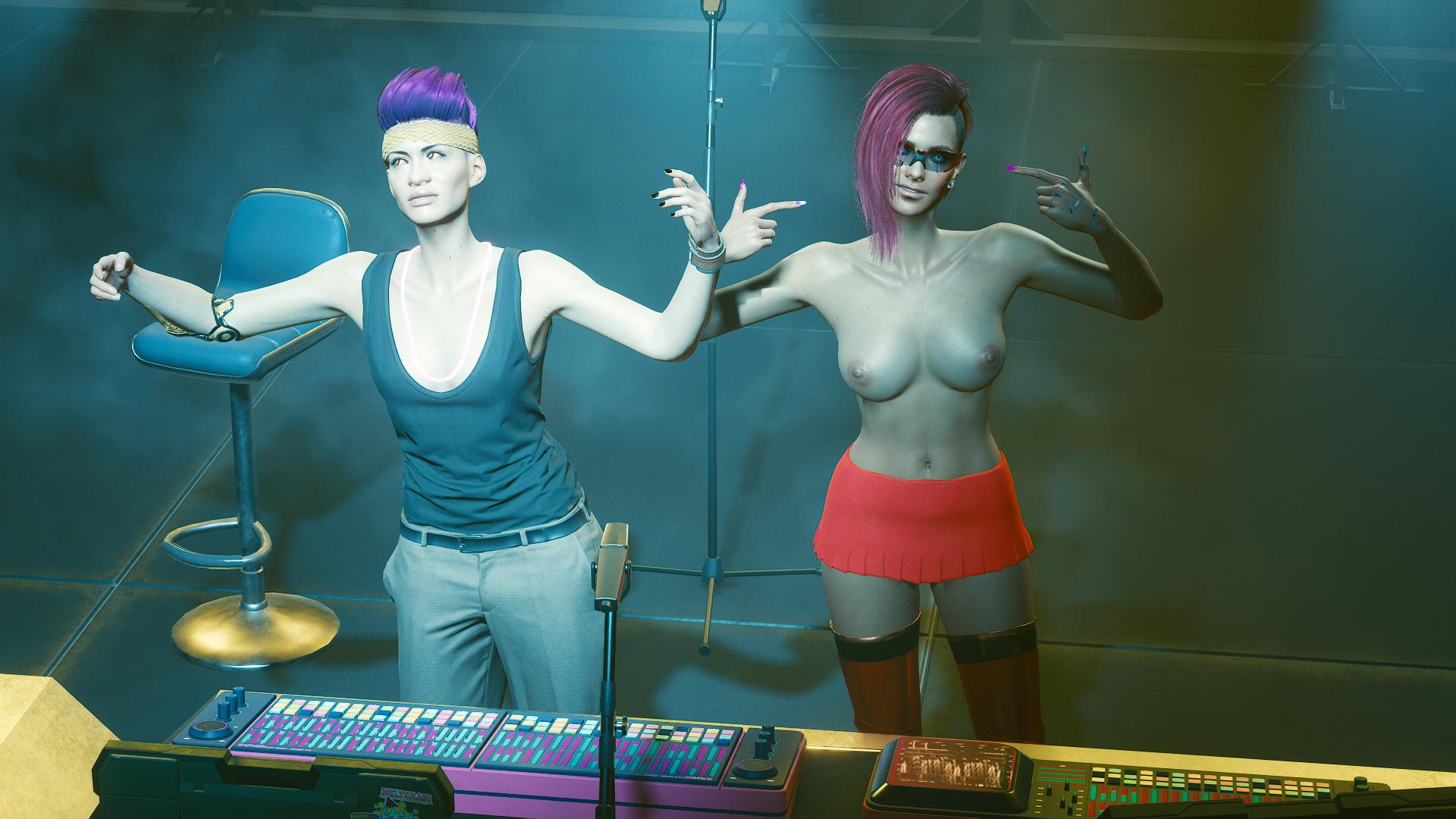 Ви и ди-джей в клубе «Райот»-2.
