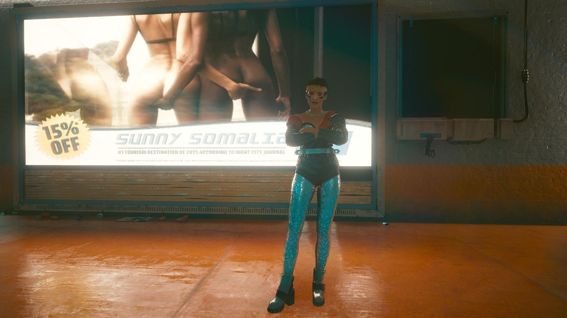 Ви в культовом костюме на подземной парковке.