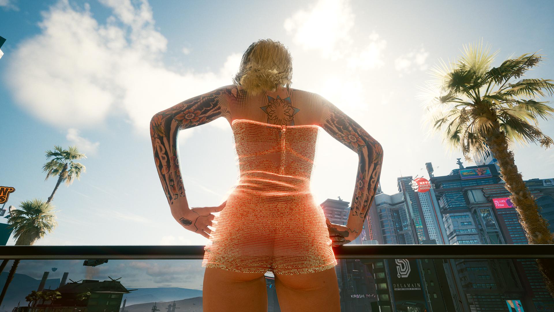 Блондинка Ви сделала татуировки на руках -2.